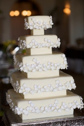 Tiered square wedding cake