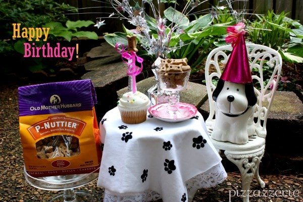 Dog Bone Birthday Table