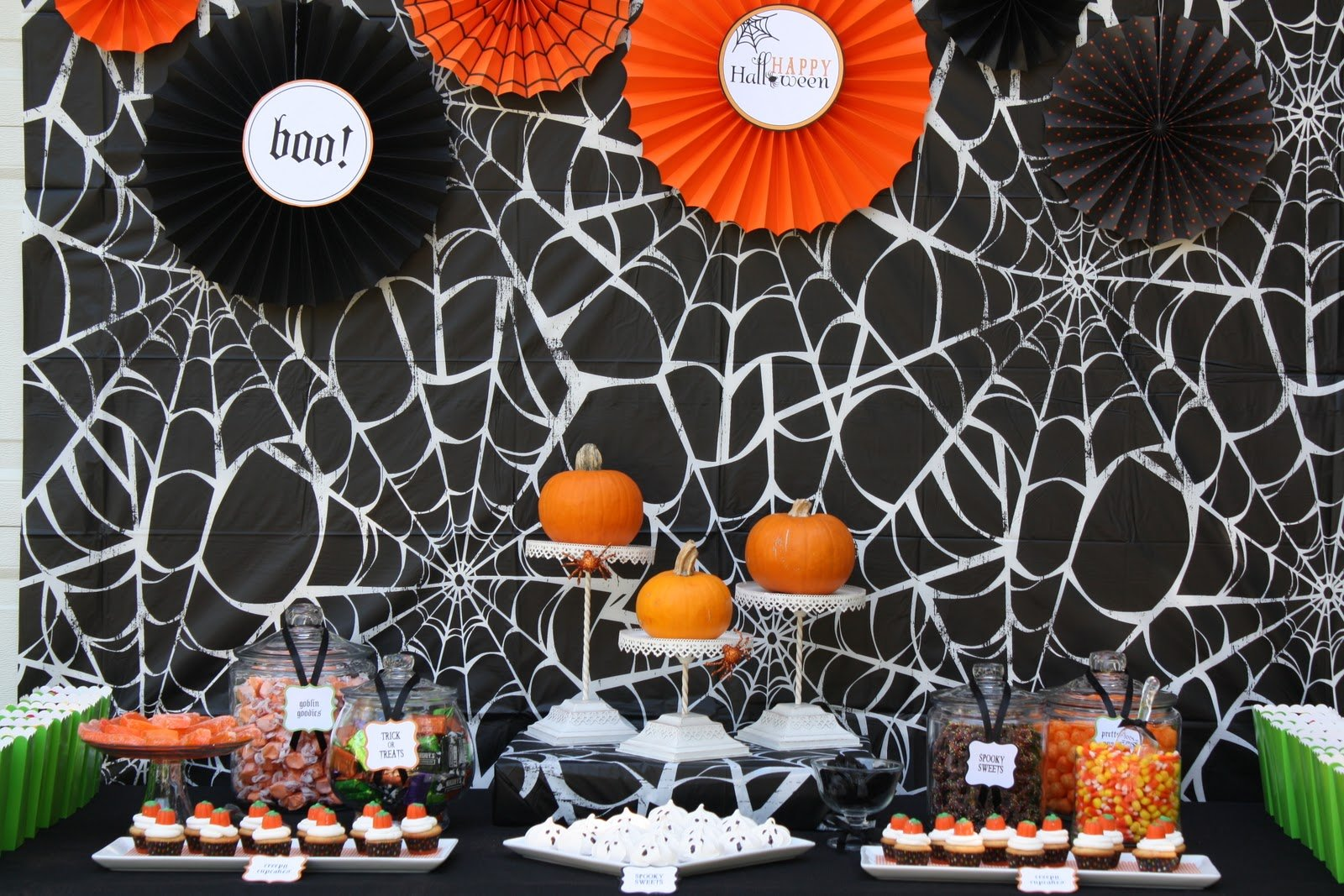 More Halloween Parties & Tablescapes Part I | Pizzazzerie