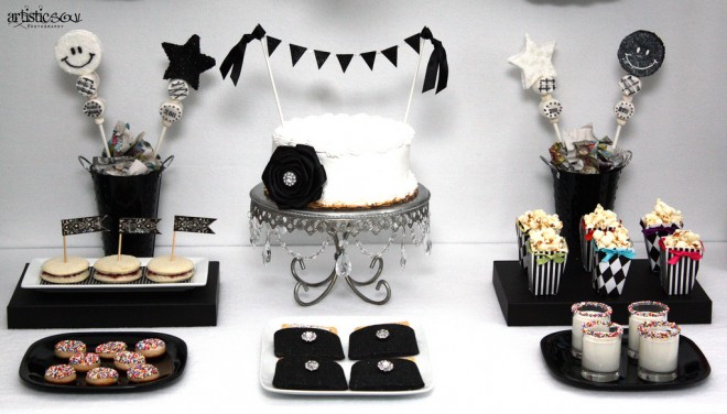 new years table with cake bunting
