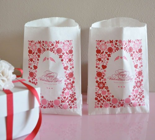7 Valentine's Freebies & DIYs