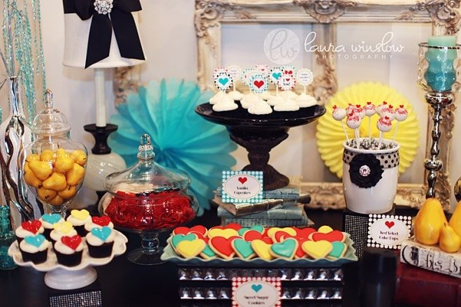 valentine's party table mod glam