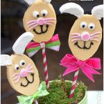 Tutorial: DIY Easter Bunny Cakes on a Stick