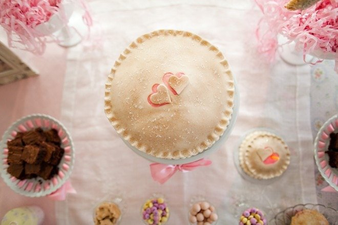heart pie pink white cake stand