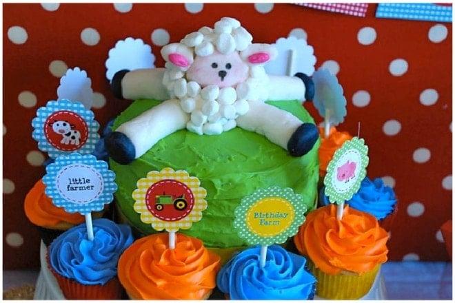 barnyard farm animal cake