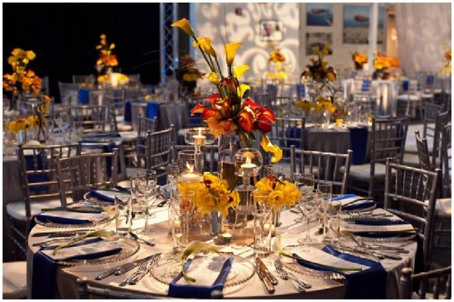 travel inspired blue yellow tablescapes