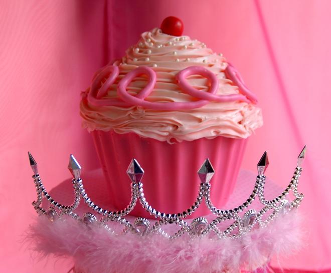 pink cupcake cake