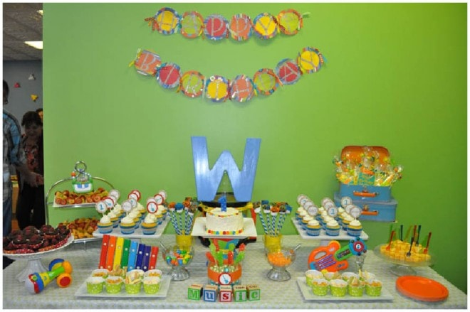 music 1st birthday party table