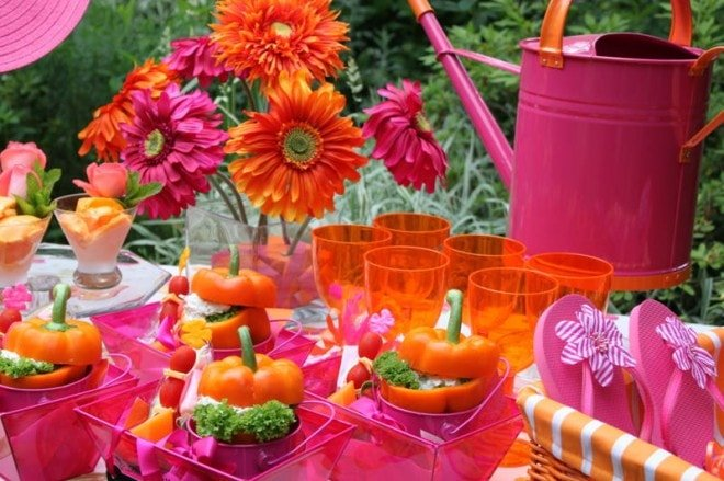 outdoor party luncheon tablescape