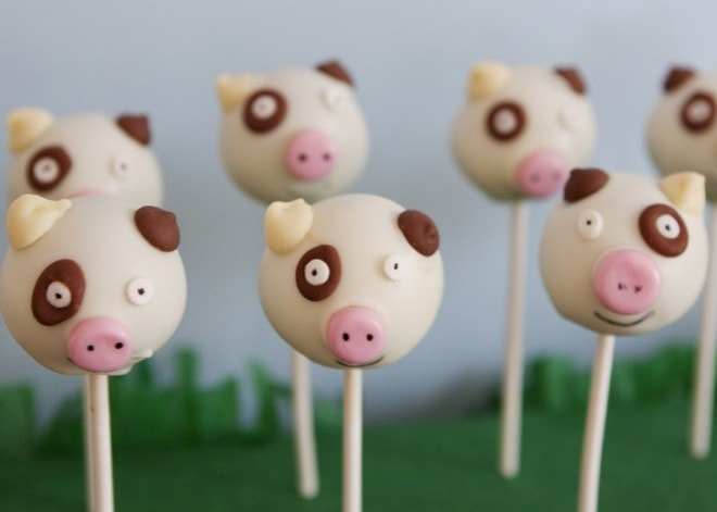 pig cake pops for farm party