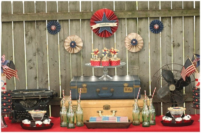 vintage historic july 4th table