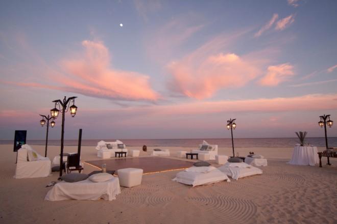 beachside wedding layout