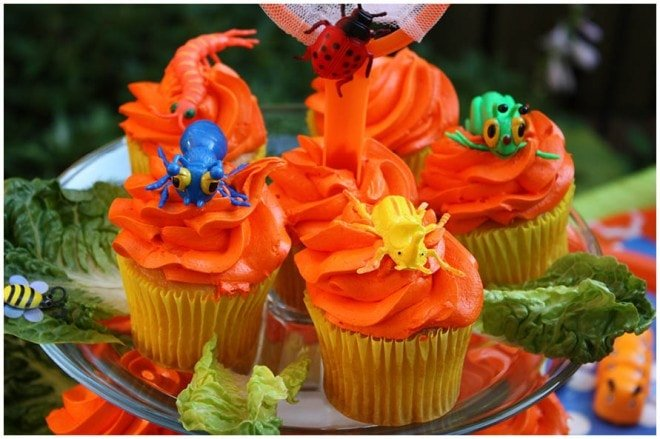 bug birthday cupcakes