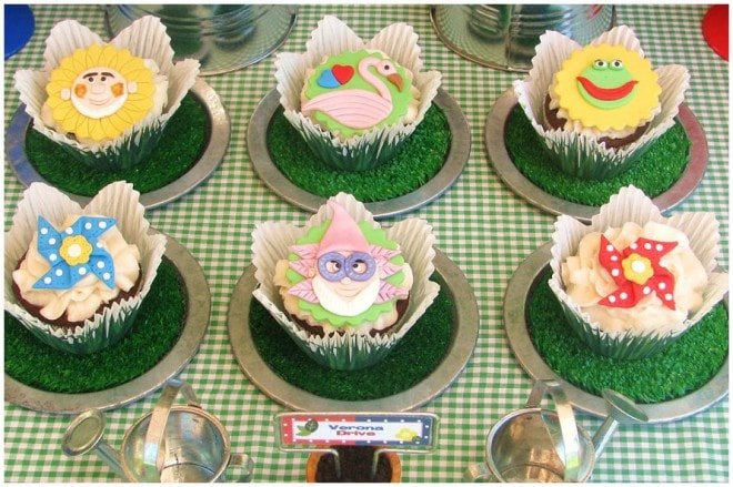 gnomeo and juliet party  cupcakes