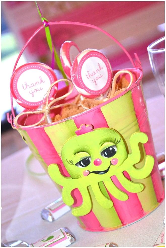 preppy beach sand bucket