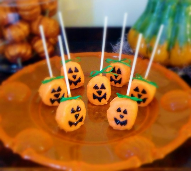 Marshmallow Pumpkin Pops