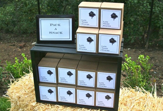 favor boxes for dinner party picture