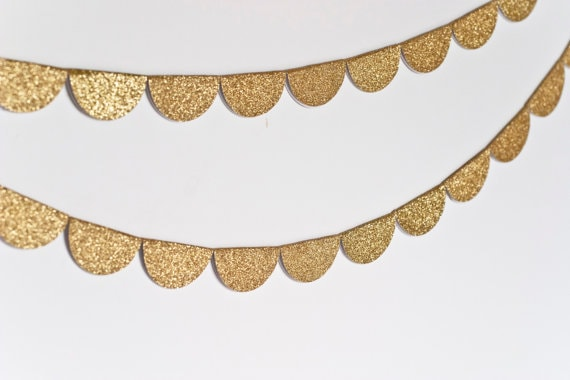 scalloped glitter garland