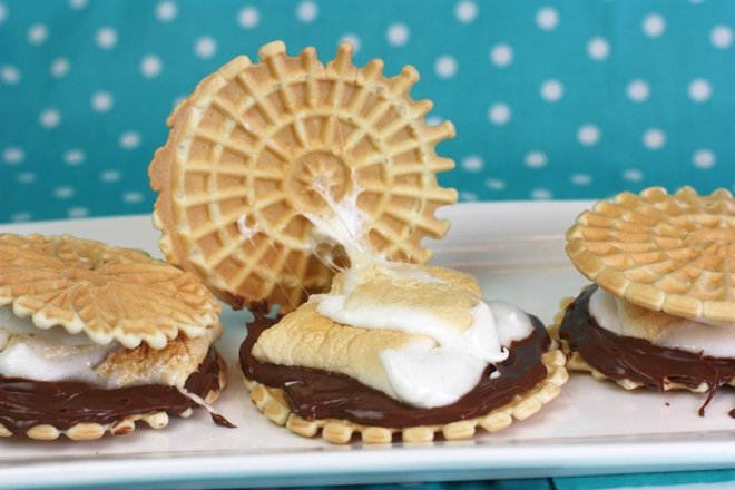 {Recipe} Pizzelle Nutella S'mores!