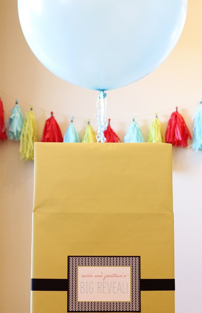 Gender Reveal Balloon out of Box