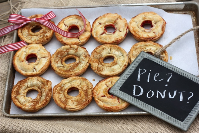 How to Make Donut-Shaped Pies! - Pizzazzerie