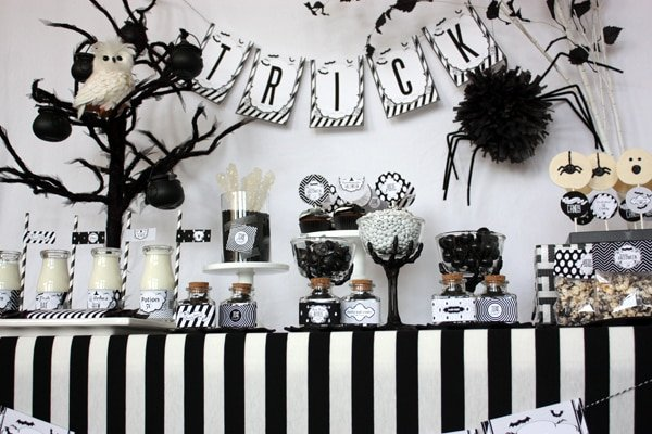 black and white themed halloween party!