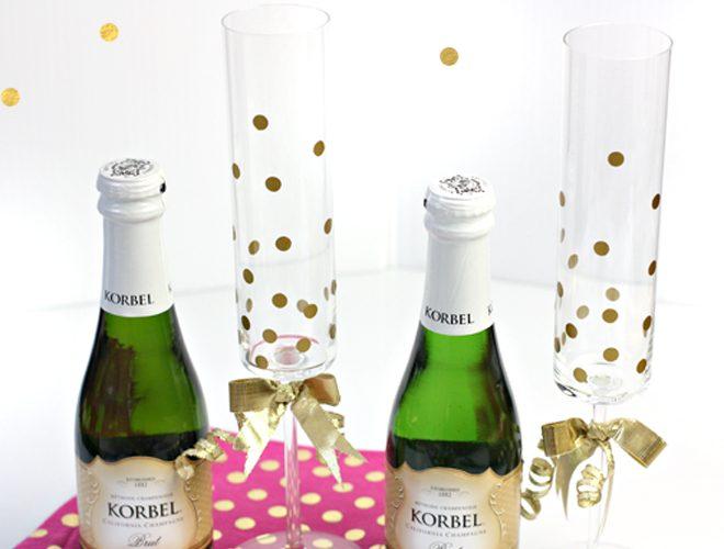 {DIY} How to Make Gold Confetti Champagne Glasses!