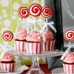 christmas macaron pop cupcakes!