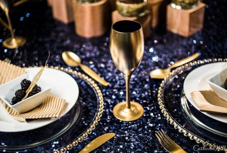 {Tablescape} Gorgeous Golds & Rich Blues!