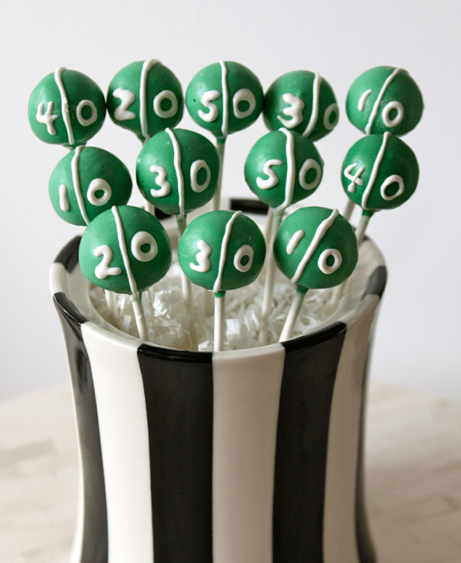 Football Field Game Time Cake Pops for the Super Bowl! RECIPE + INSTRUCTIONS!