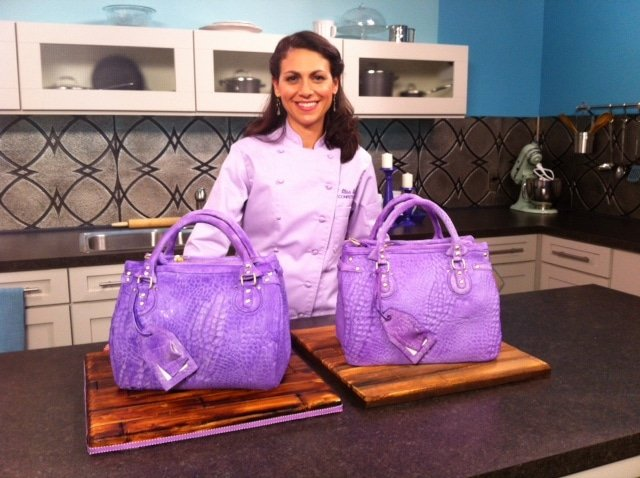 Elisa Strauss decorating handbag cakes!