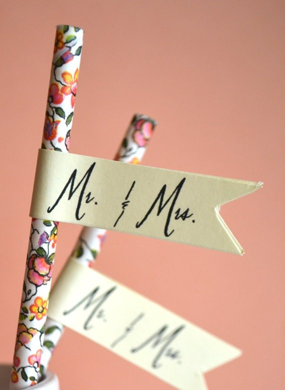 How cute are these floral paper straws?