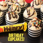 """Oh Henry"" Candy Bar Birthday Cupcakes on pizzazzerie.com #birthday #cupcakes"