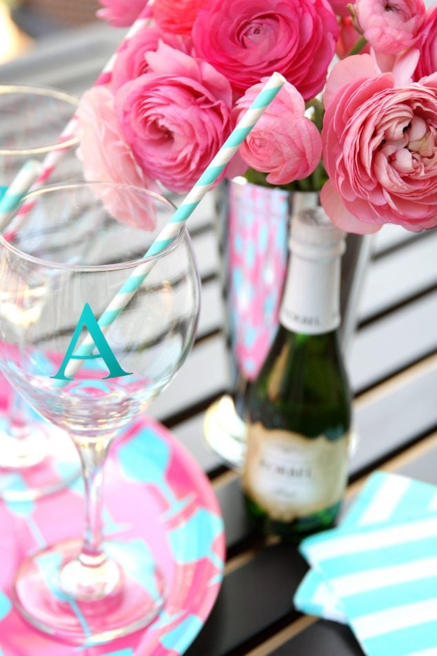 how to make monogrammed cocktail wine glasses