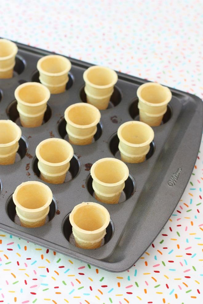How to make mini ice cream cake cones!