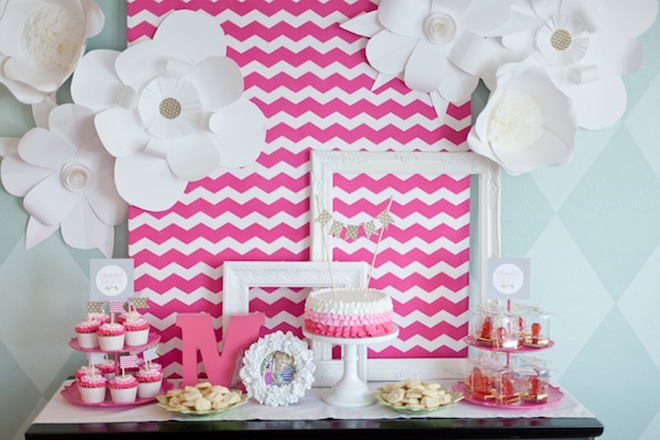 PINK PARTY: Adorable party inspiration! DIY Paper Flowers!