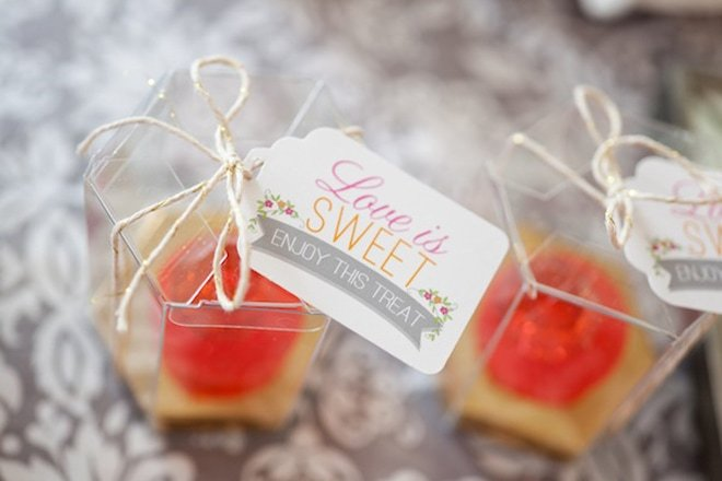 Ring Pops make a DARLING Bridal Shower Favor!