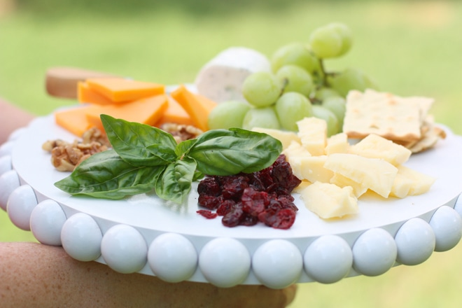 Serve up a stylish cheese tasting with tips from @Pizzazzerie Pizzazzerie.com