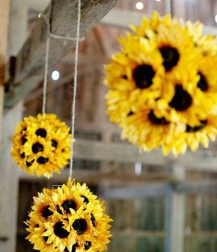 Party Decor: Sunflower Pomander Balls!
