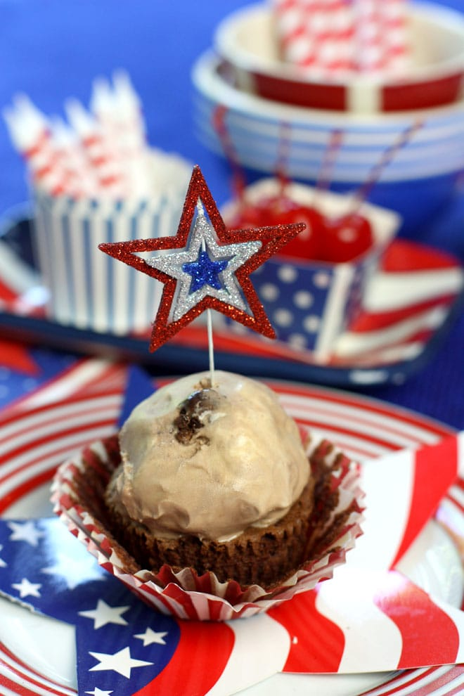 Mini Ice Cream Cakes for Labor Day!