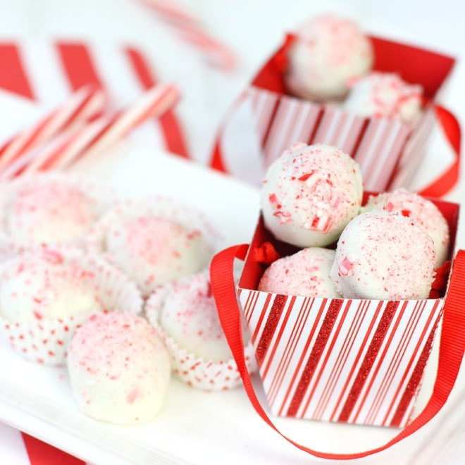 EASY Oreo Cookie Balls topped with crushed peppermint!