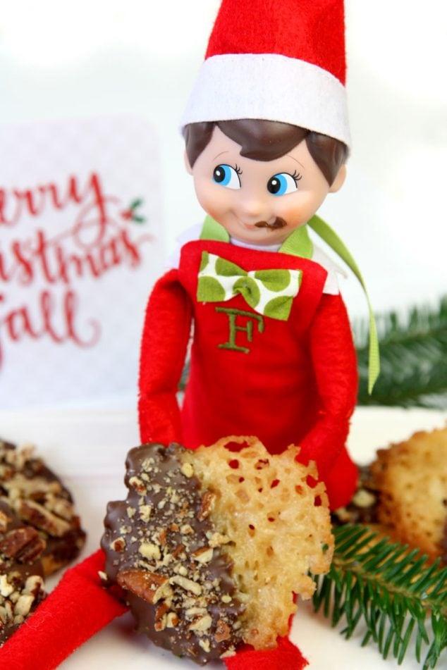 Elf on the Shelf makes Cookies!