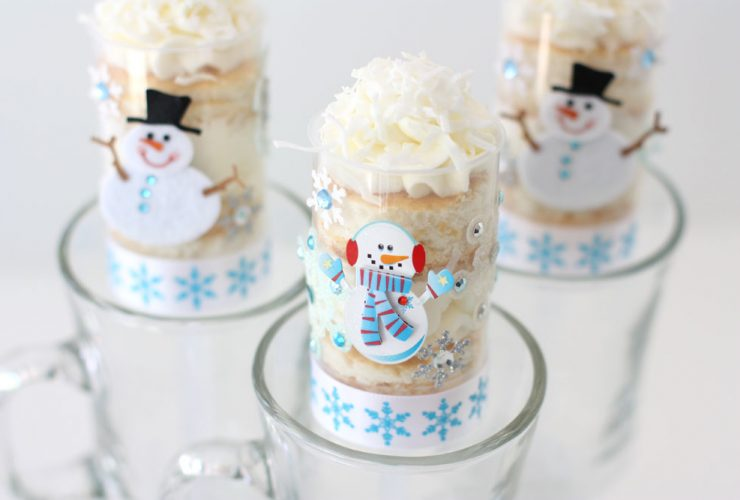 Snowman Cake Push-Up Pops!
