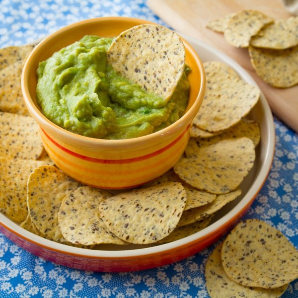 Classic Guacamole Recipe - SAVE for Cinco de Mayo!