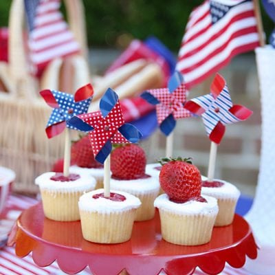 Red, White & Blue Memorial Day Tablescape