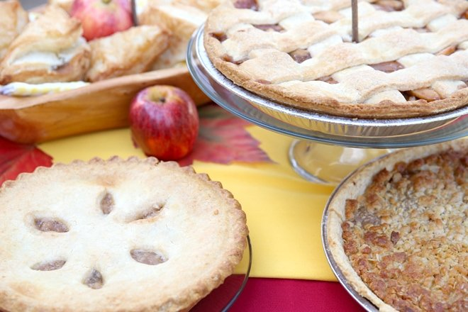 Tips and tricks for hosting an apple themed party!