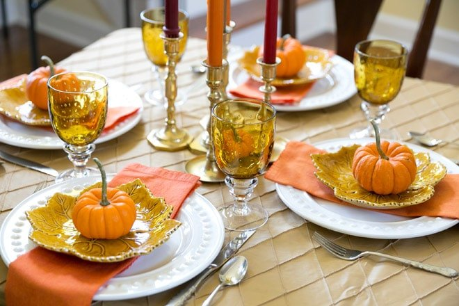 Fall dinner party tablescape inspiration! Pizzazzerie.com
