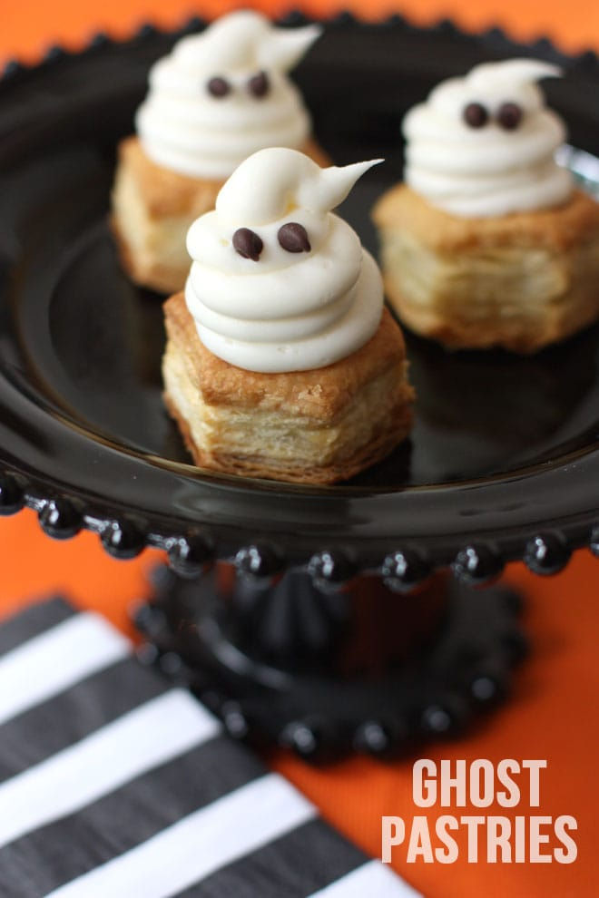 Cute Halloween Ghost Pastries! Pizzazzerie.com