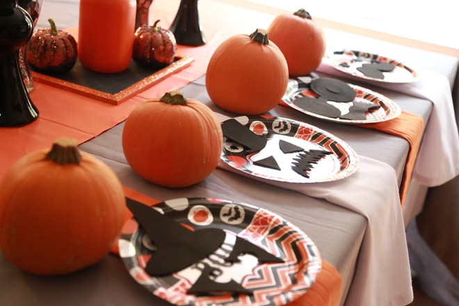 Cute halloween party tablescapes