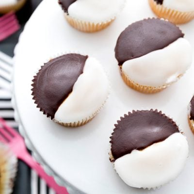 Delicious and easy black and white cupcakes, taste just like the cookies!